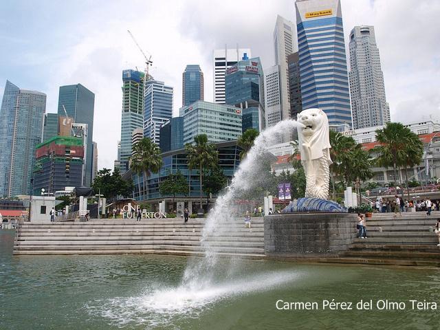 imagen de lago y fuente de singapur