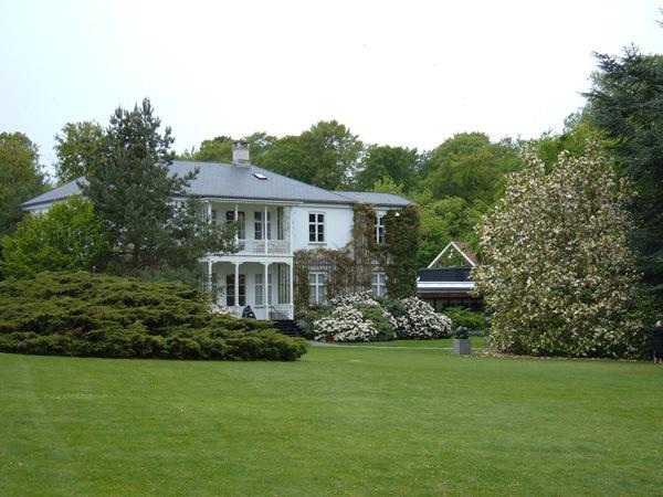 fachada y jardines museo de louisiana