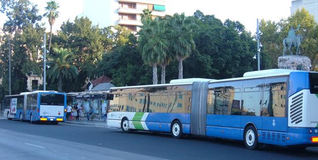 rica culiada en transporte publico