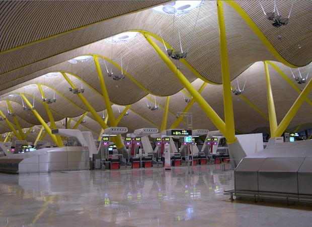 terminal 4 vacía