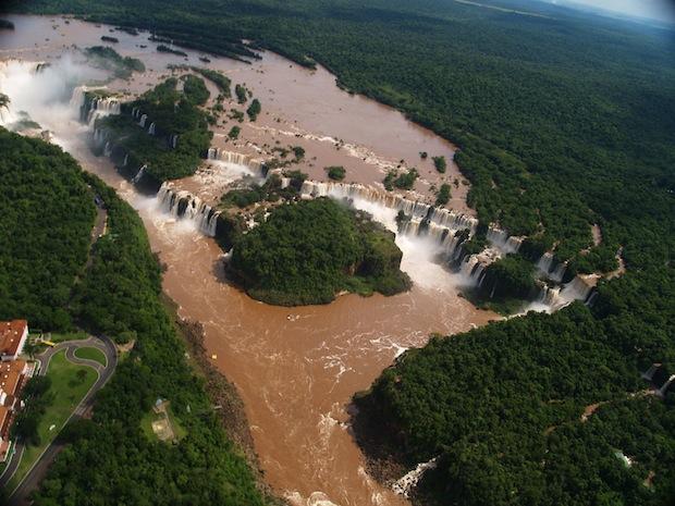 las cataratas de iguazú desde helicóptero