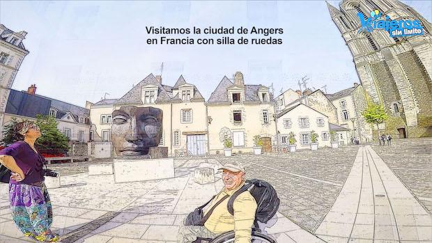 Miguel y Eva frente al Palacio de Bellas Artes de Angers